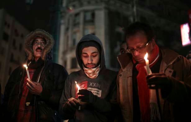 Egyptian-candlelight-vigil-for-Charlie-Hebdo