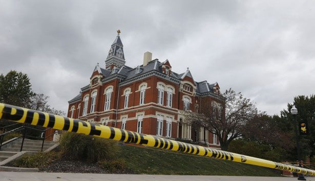 pemOutside-Maryvillersquos-Nodaway-County-Court-House-before-a-39Justice-For-Daisy39-rally.-AP-PhotoOrlin-Wagneremp