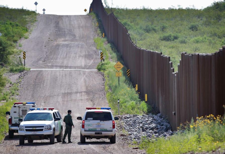 Border-in-Arizona