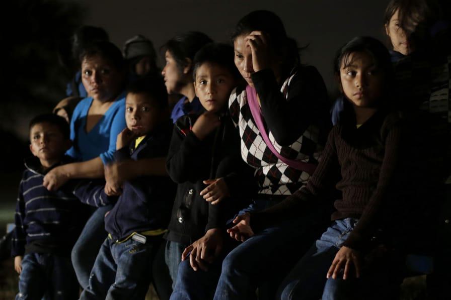 Refugees-from-Honduras-and-El-Salvador-June-2014