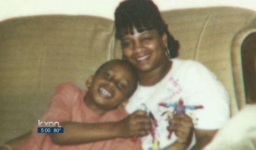 Yvette-Smith-with-her-son.-KXAN-TV