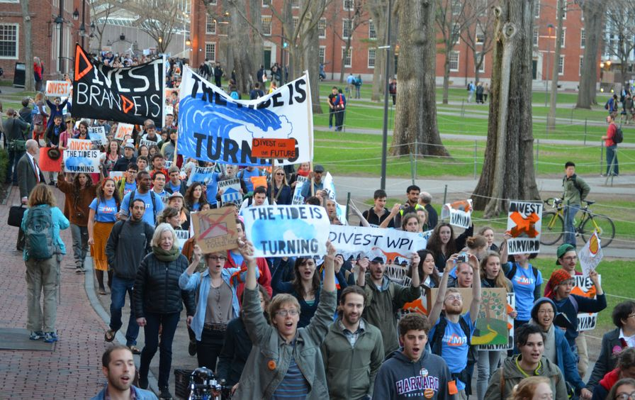 Is-the-Carbon-Divestment-Movement-Reaching-a-Tipping-Point