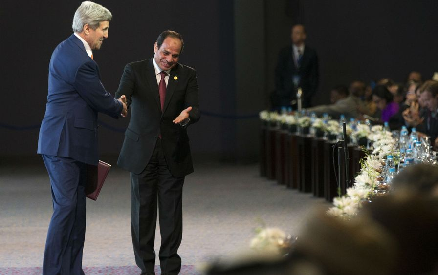 John-Kerry-and-Abdel-Fattah-el-Sisi