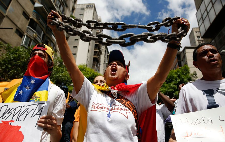 Caracas_Venezuela_protest_rtr_img