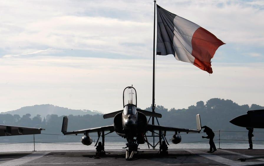 France_Airplane_ap_img
