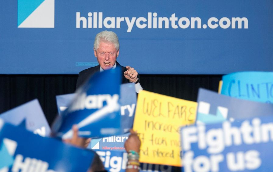 Bill_Clinton_protest_ap_img
