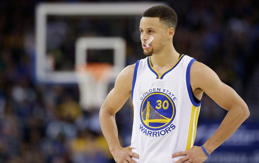 Steph Curry on court