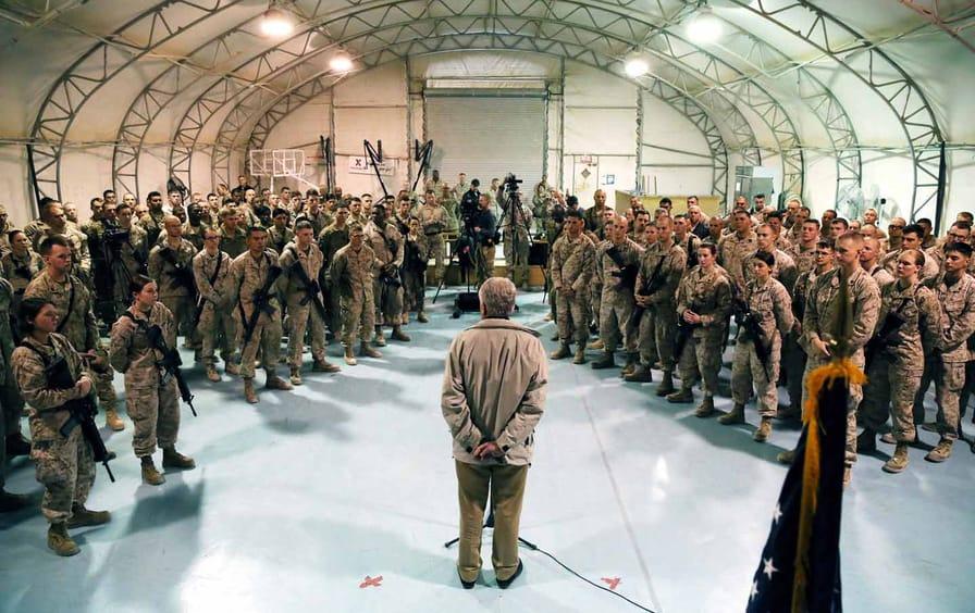 Hagel speaks with Afghanistan troops
