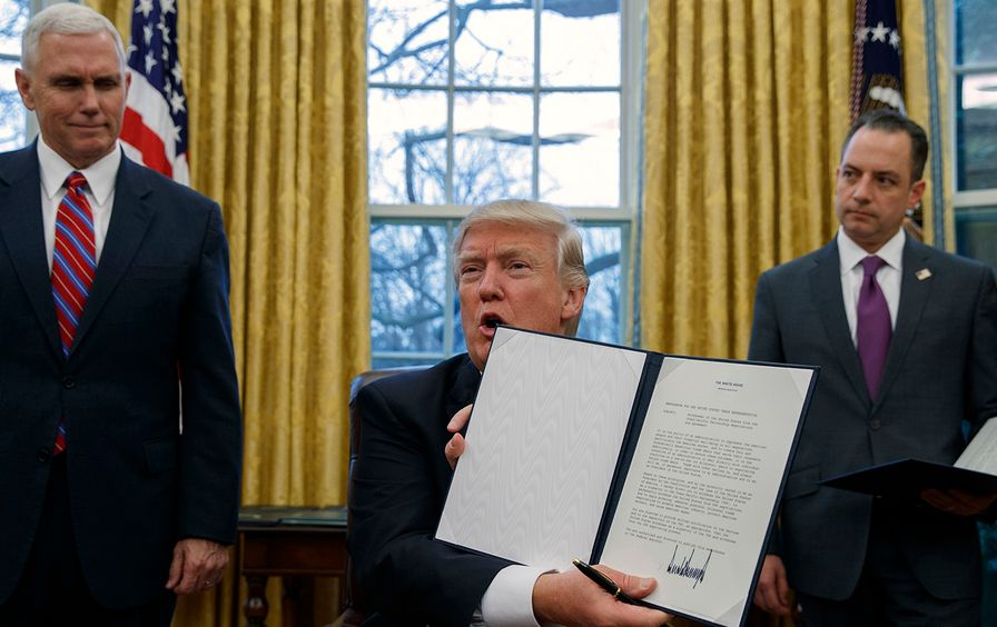 Donald Trump withdraws from TPP