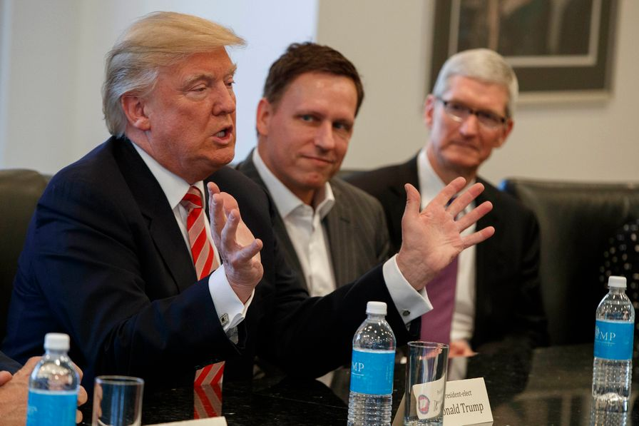 Peter Thiel and Tim Cook with President-elect Trump at meeting
