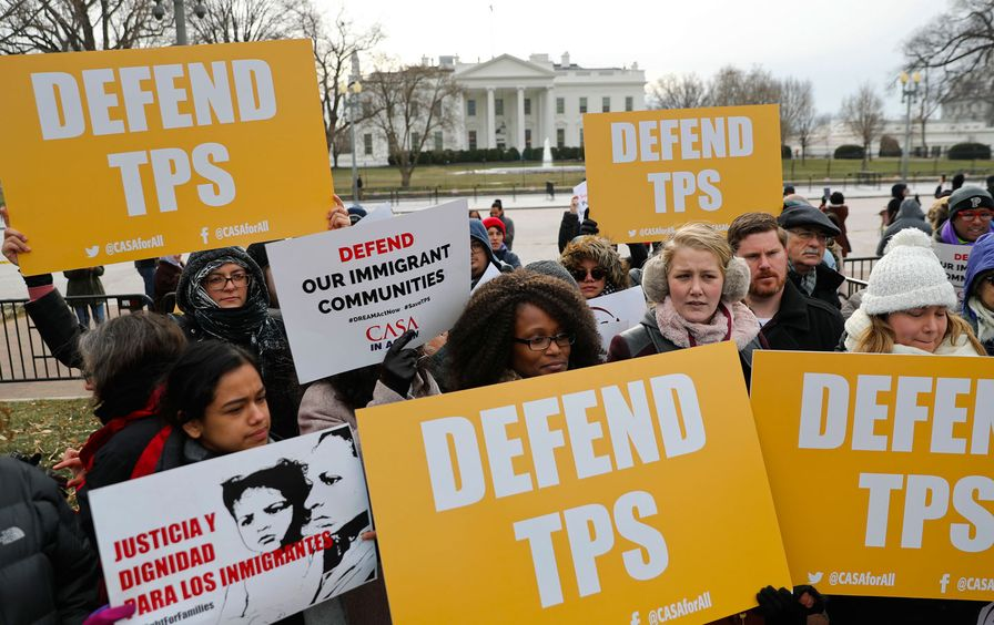 CASA de Maryland, an immigration advocacy and assistance organization, holds a rally in Lafayette Park, across from the White House in Washington, Monday, Jan. 8, 2018.