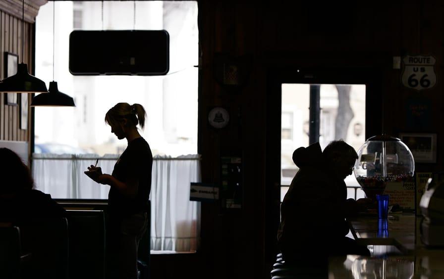 waitress-ohio-diner-ap_img