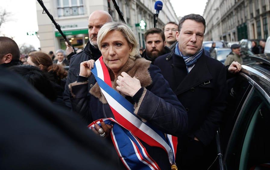 LePen Marche Blanche