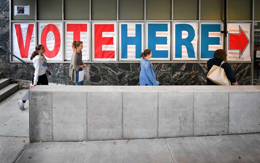 Voters in Minneapolis, Minnesota-ap-img