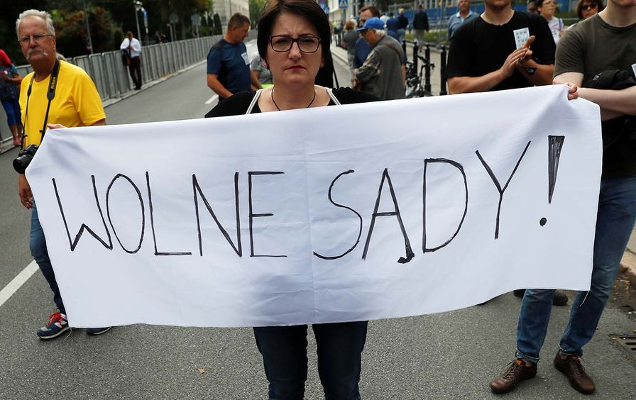 Free Courts Poland Protest