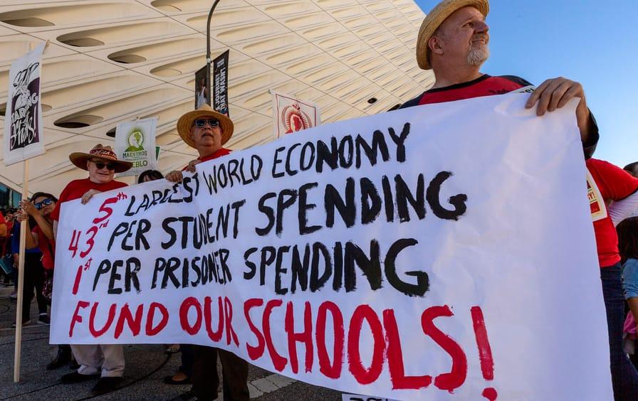 LA teachers rally