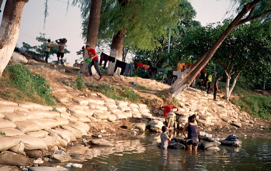 Laundry in the Suchiate River-img