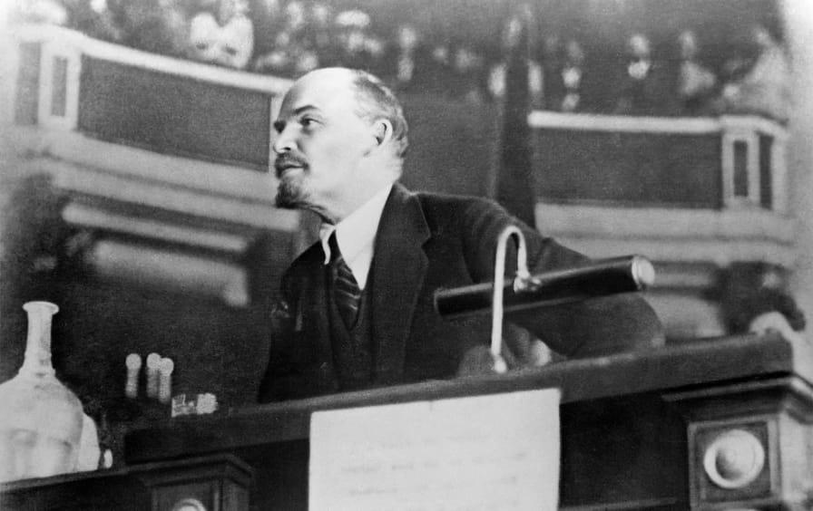 Lenin-2ndCongress-1920_ap_img