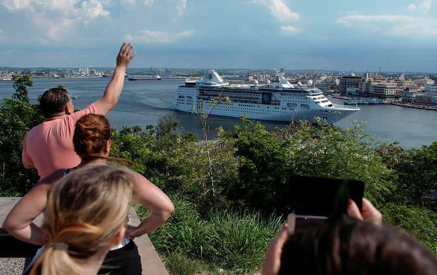 Cruises Leave Cuba