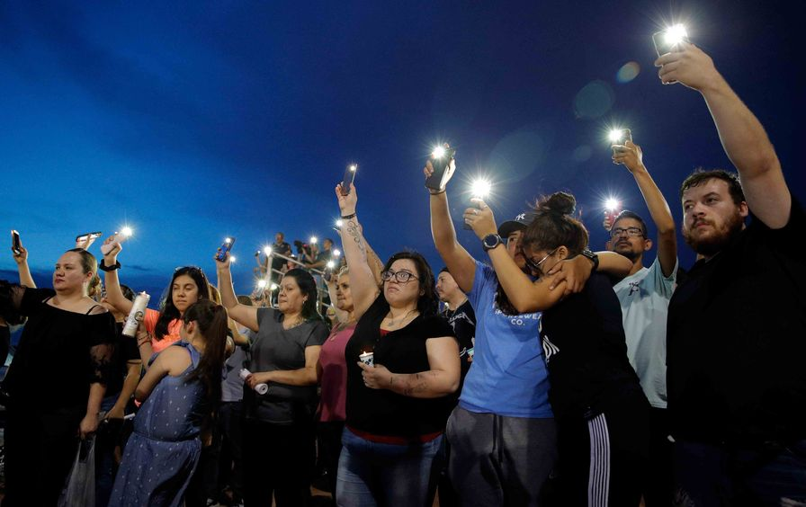 El_Paso_shooting_vigil_img