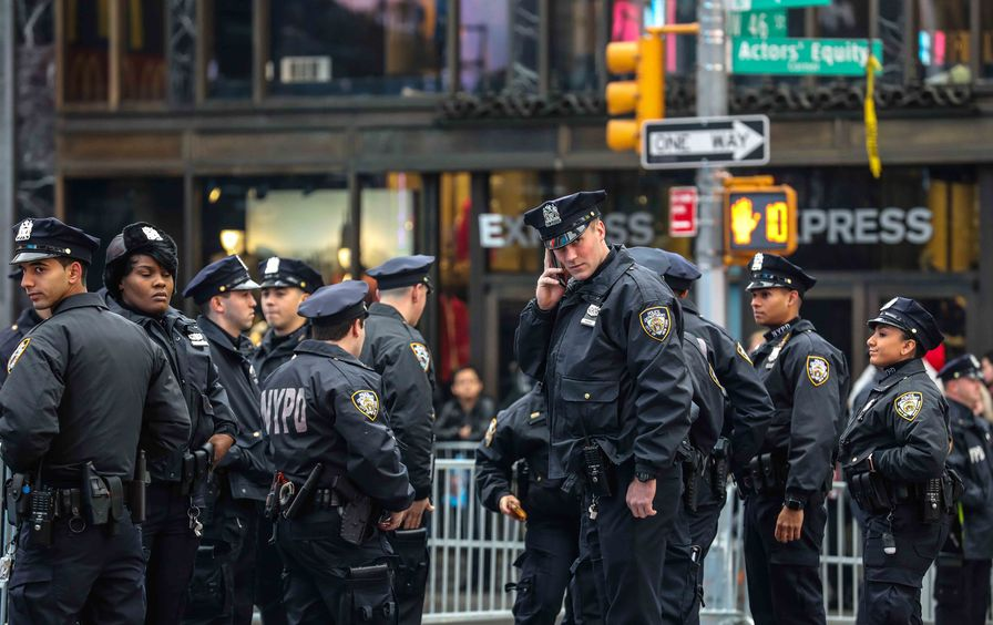 times_square_police_img