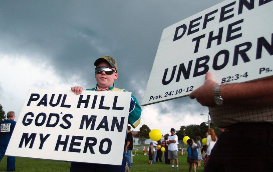 Anti-abortion protesters outside Florida State Prison