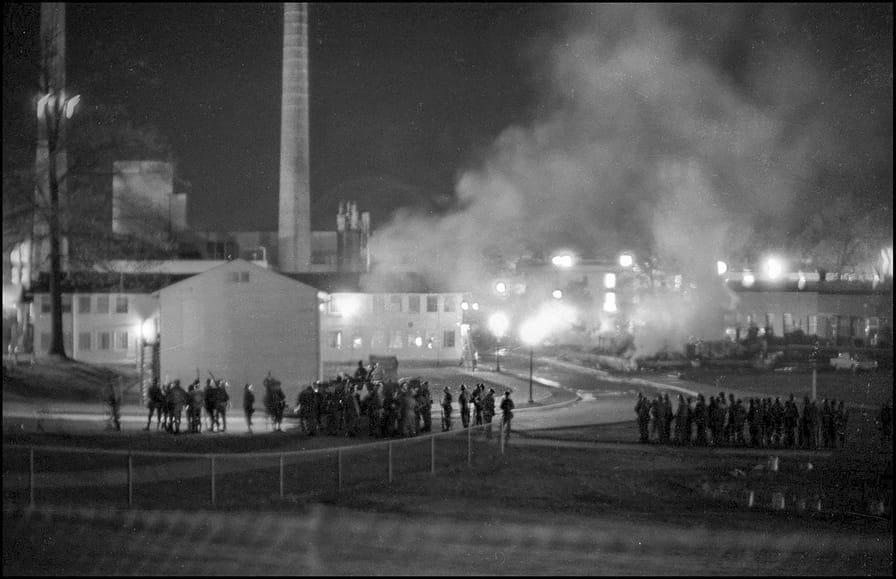 kent-state-burning-building-gt-img