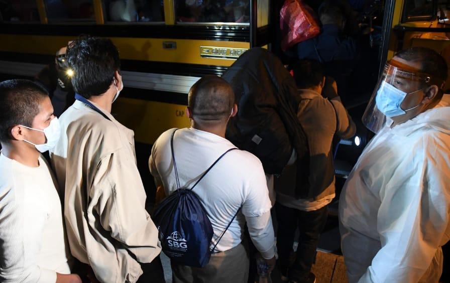 migrants-deported-guatemala-covid-gty