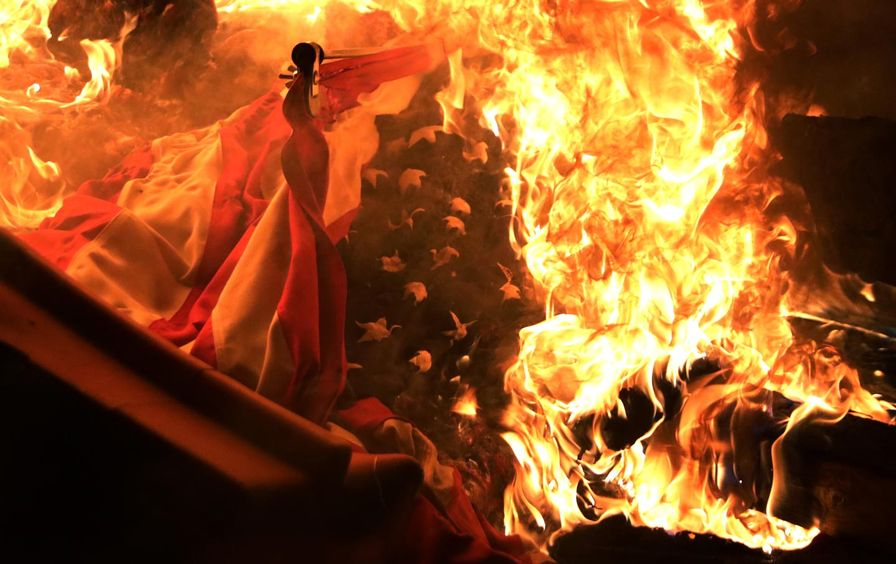 american-flag-burning-protests-gt-img