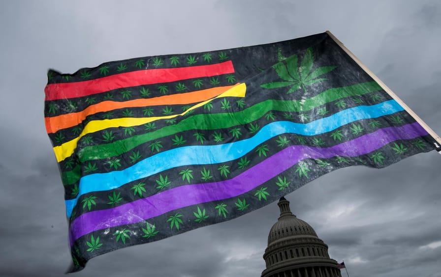 marijuana-american-flag-capitol-gty-img