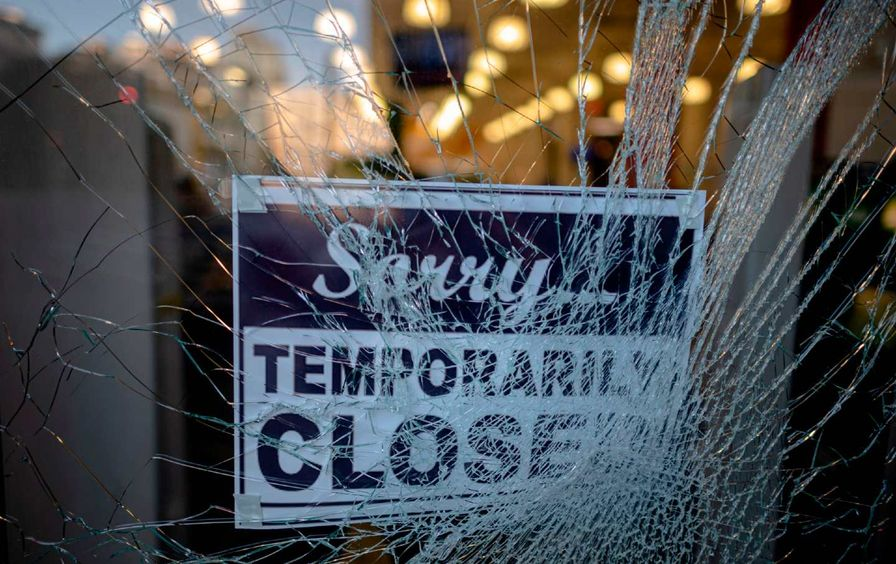 shattered-storefront-getty-img