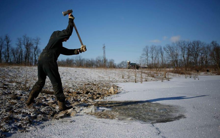 kentucky-polar-vortex-farmer-gty-img