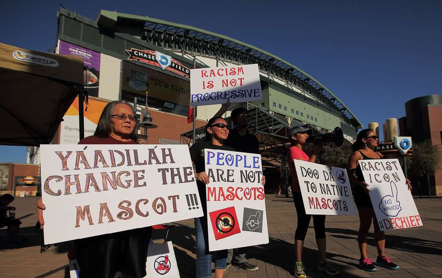 cleveland-indians-protest-mascot-gt-img