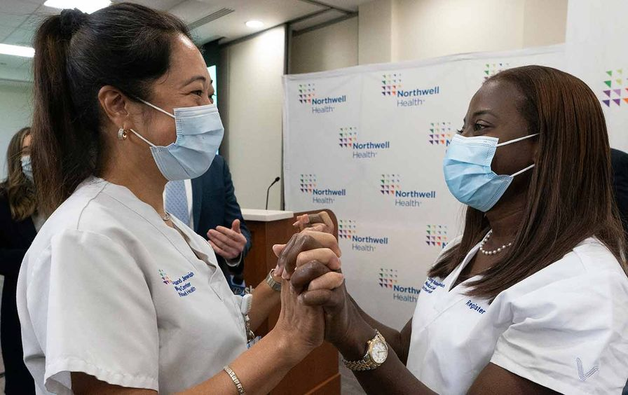 covid-vaccine-rollout-ap-img