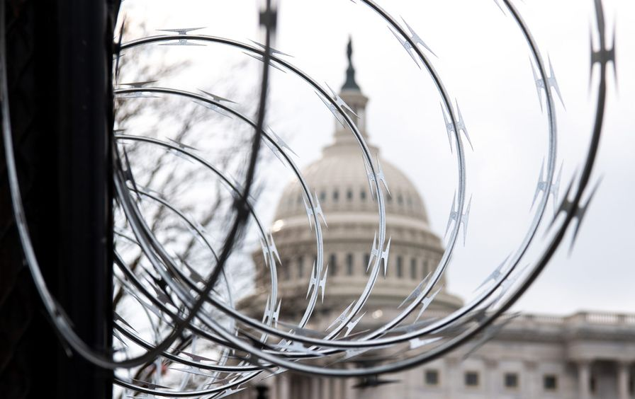 capitol-builing-barbed-wire-gty