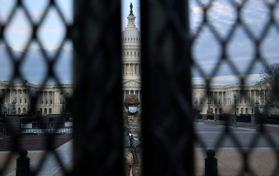capitol-security-solder-fence-gty-img