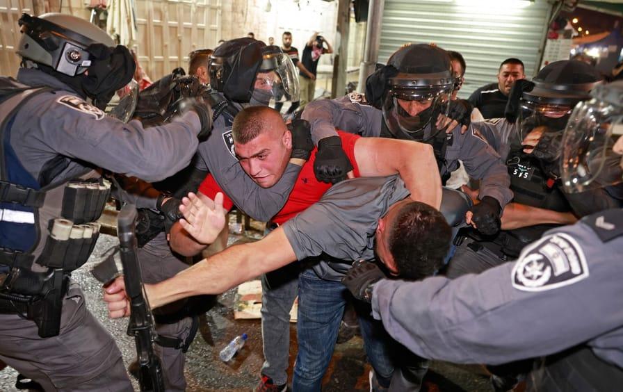 Israeli choke hold