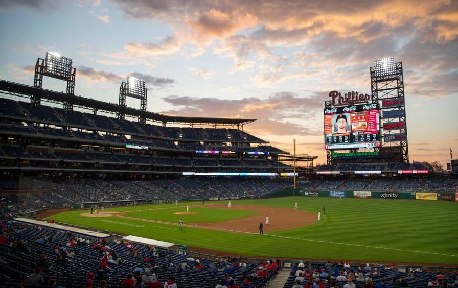 Phillies Giants Baseball Game