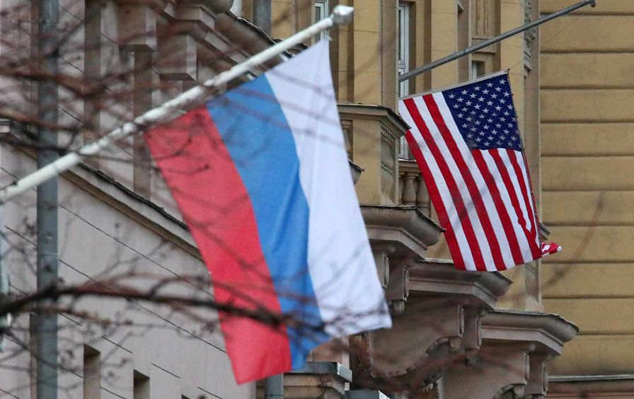 us-russia-flags-gt-img