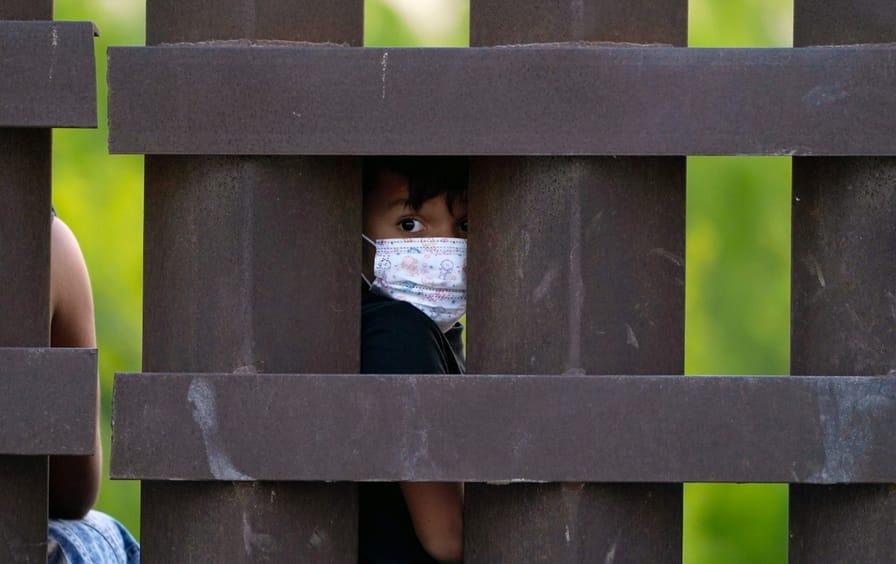 child-border-wall-ap-img