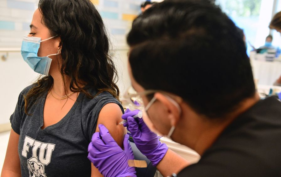 College student gets a Covid vaccine