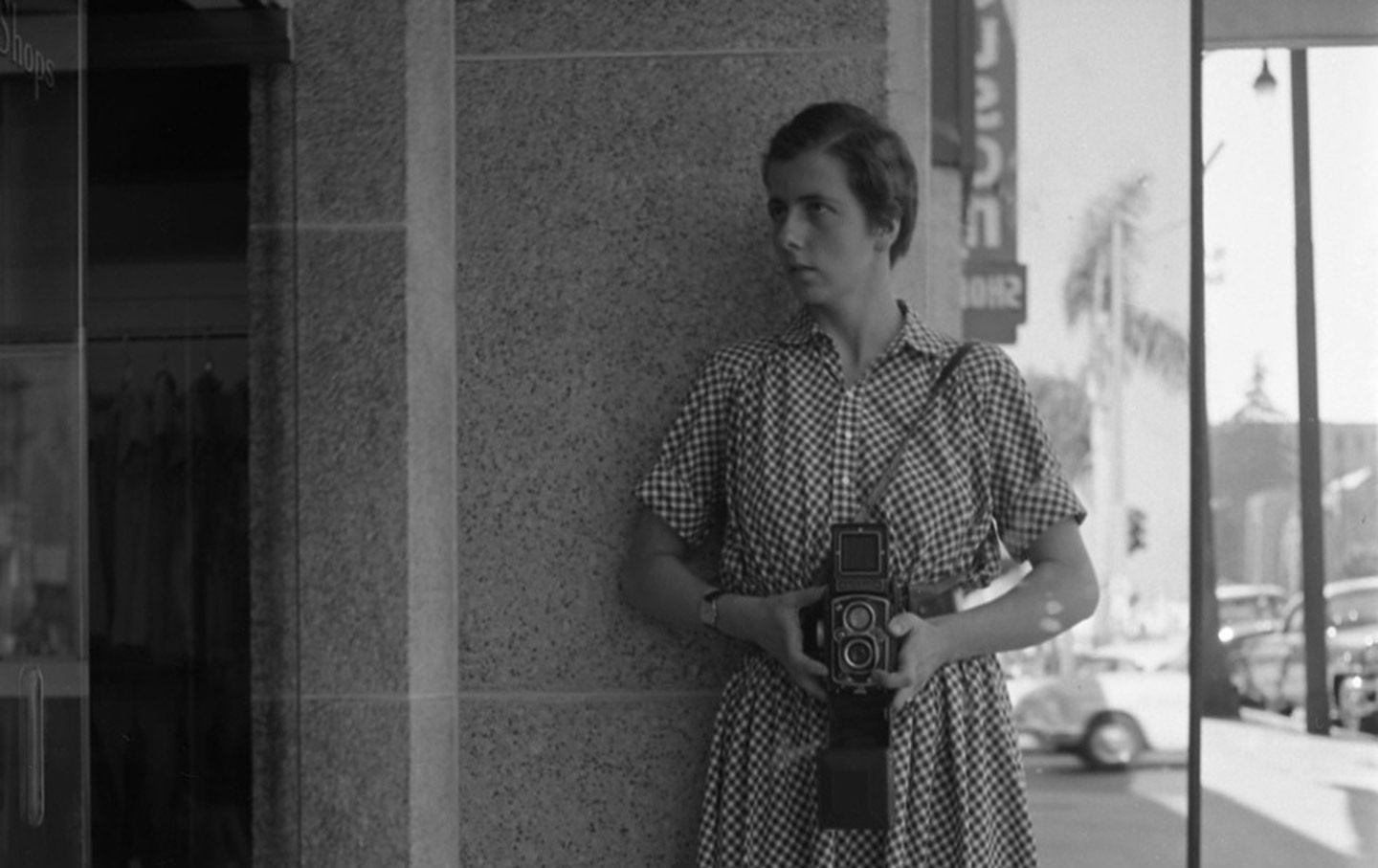 Self portrait in a sheet mirror on vivian maier the nation for Large portrait mirror