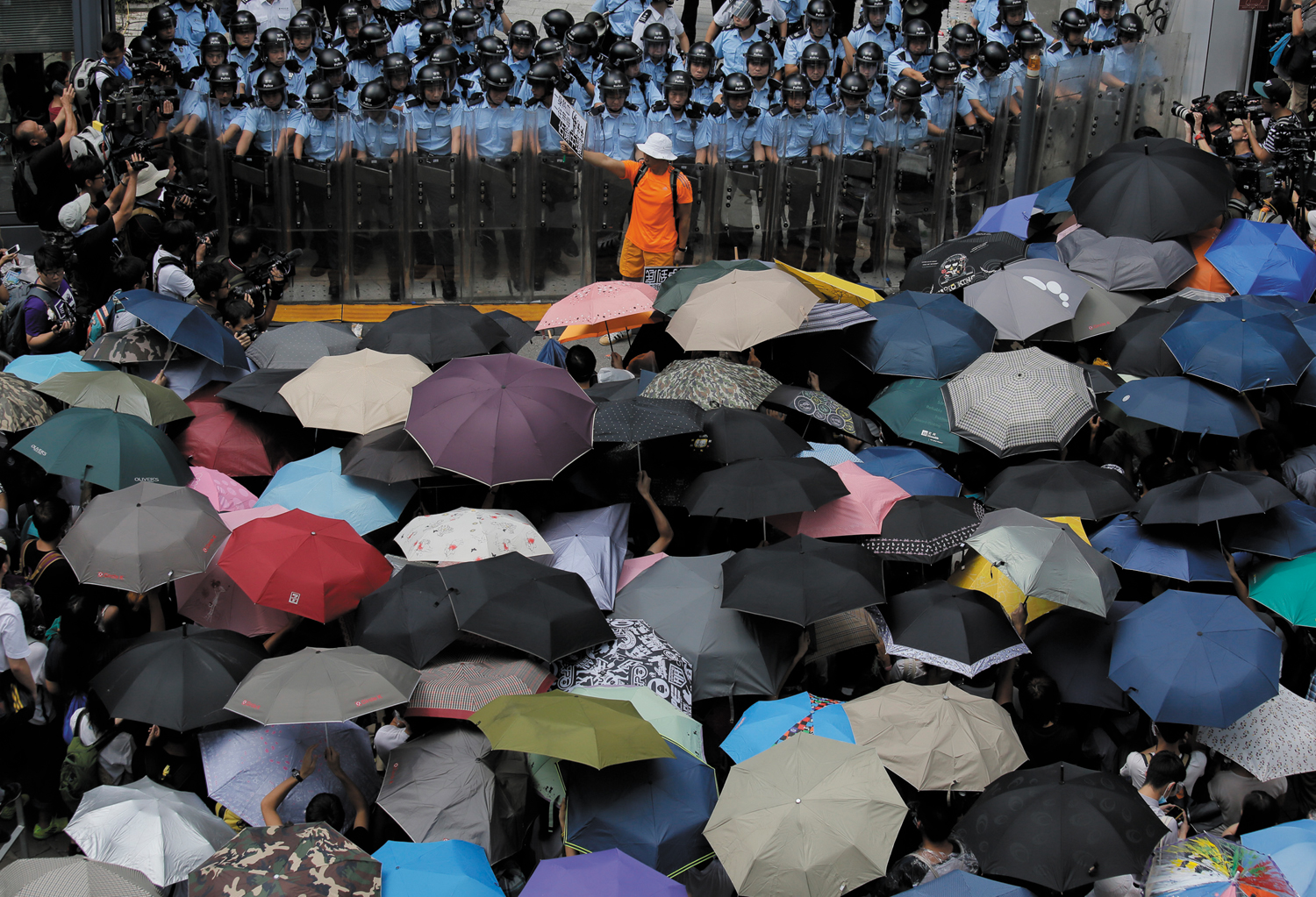 Snapshot-The-Umbrella-Revolution