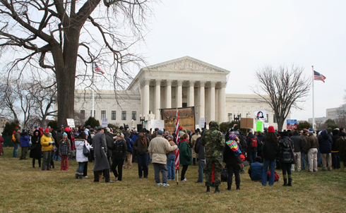 The day began with speeches in front of the high court by Thom Hartmann, David Cobb of Move To Amend, and many others.  Image credit: Loren Fogel