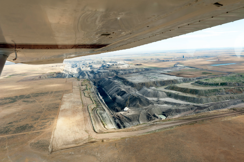 The-Black-Thunder-coal-mine-in-Wyoming's-Powder-River-Basin-2012.-Jeremy-Buckingham