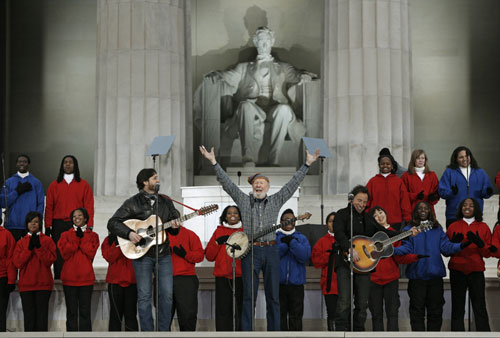 "Pete Seeger and Bruce Springsteen perform ""This Land is Your Land"" during the We Are One: Opening Inaugural Celebration at the Lincoln Memorial in Washington on January 18. (Reuters Photos)"