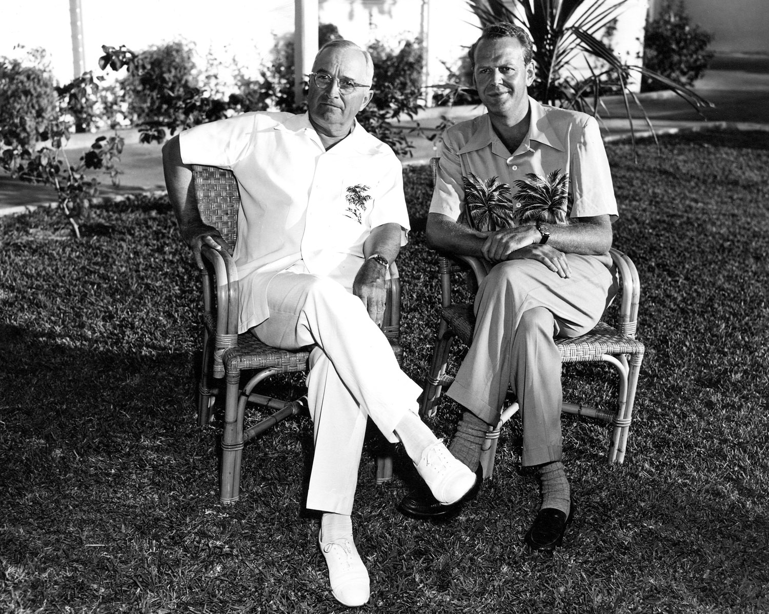 Harry-Truman-sits-with-White-House-counsel-Clark-Clifford-in-Key-West-in-1949