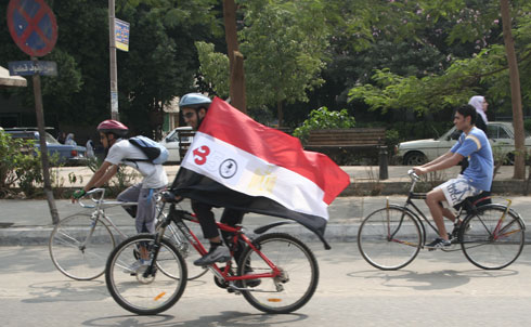 In Egypt, the Cairo Cyclists Club joined with youth climate activists to ride from Cairo to the Great Pyramids and back to encourage carbon-free transportation.