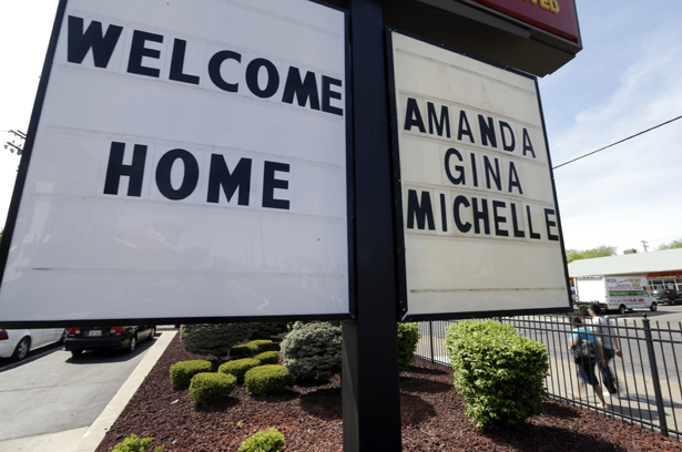 Amanda Berry, Michelle Knight, and Gina DeJesus welcomed home