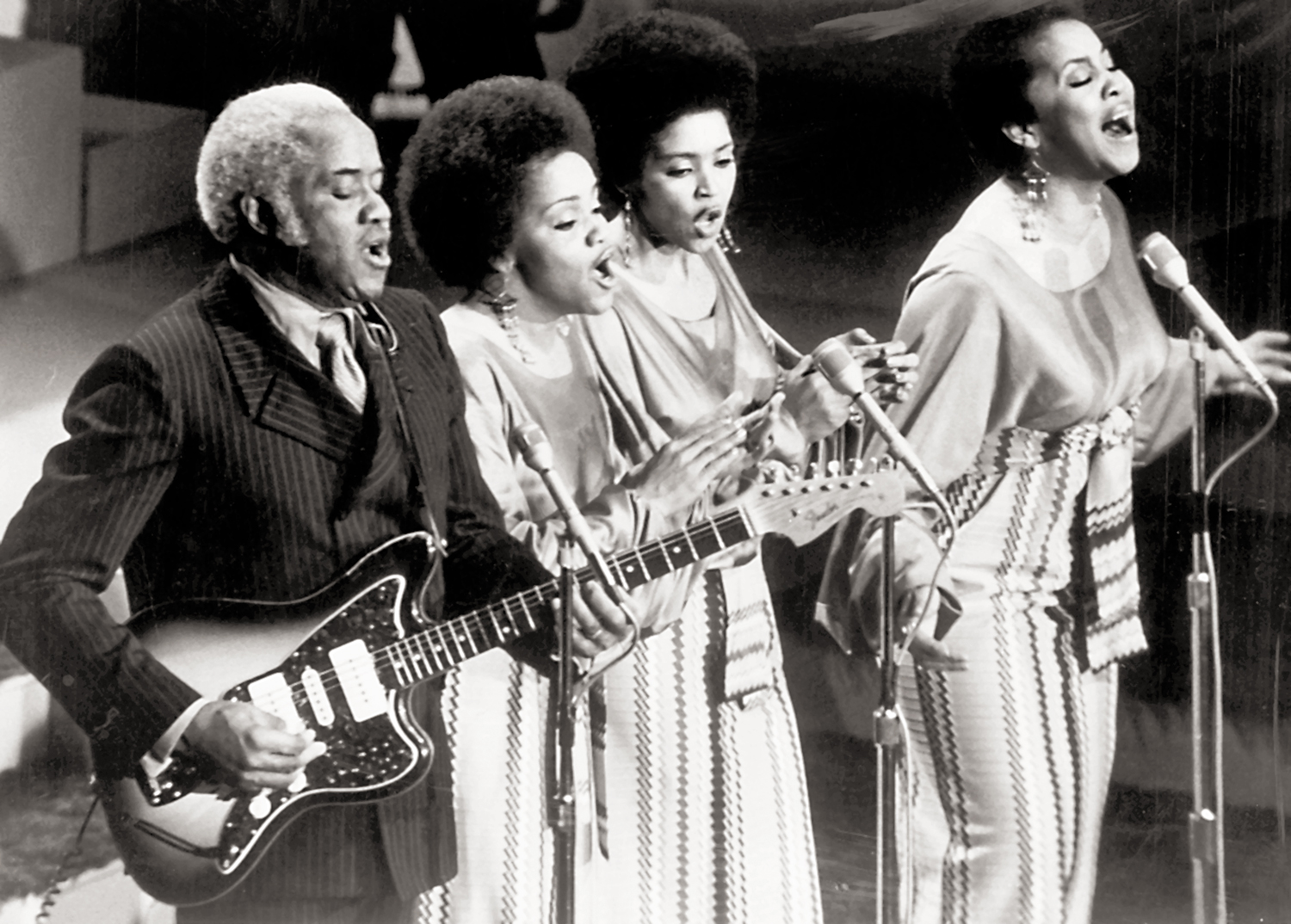 Pops-Cleo-Yvonne-and-Mavis-Staples-perform-in-a-church